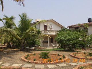 Luxury Detached 3 Bedroom en-suite Sunset View Beach Villa with private Patio,