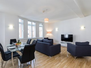 123. COMFORTABLE 3BR MARYLEBONE FLAT - NEAR REGENTS PARK AND BOND STREET