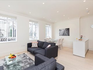 115. LARGE 3BR FLAT CLOSE TO THE THAMES - COVENT GARDEN - ST. PAUL'S