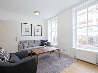 77. 2BR FLAT IN THE SOHO-FITZROVIA AREA - BY THE THEATRE DISTRICT