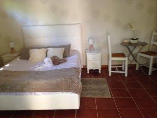 Appartement avec spa chauffe exterieur proche mer et calanques