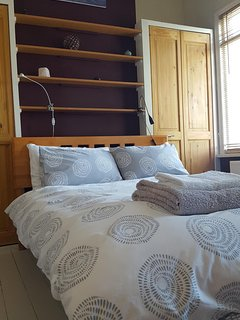 Hypoallergenic latex mattress and anti-microbial covers (pillows & duvet contain down/feathers)