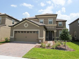 ChampionsGate - Pool Home 5BD/4.5BA - Sleeps 14 - Platinum