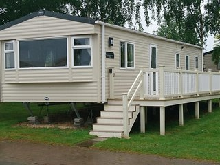 Tattershall Holiday Caravan 8 Berth Rental with Jet Ski, Golf, Fishing nearby