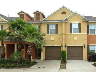 Reunion Resort  Near Disney - 3BD / 2.5BA Town home - Sleeps 6 - Gold - RRU352