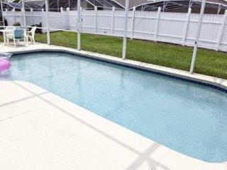 Hampton Lakes - Pool Home 3BD/2BA - Sleeps 8 - StayBasic - RHL307