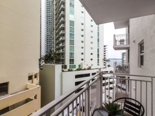 Brickell - One-Bedroom Luxe Suite City View - Sleeps 2