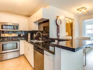 Brickell - Two-Bedroom Luxe Suite Water View - Sleeps 4