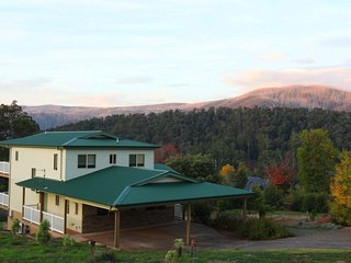 GREENLANDS GUEST HOUSE - Large two story house