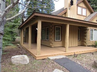 Come Stay in a Beautiful Cabin in the center of Paradise!, McCall