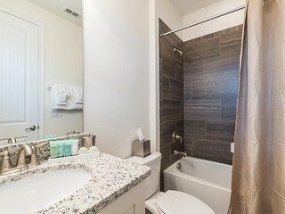 Reunion Resort - Luxurious 5BD/5.5BA Pool Home - Sleeps 10 - Platinum