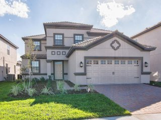 Champions Gate - 5BD/4.5BA Pool Home - Sleeps 12