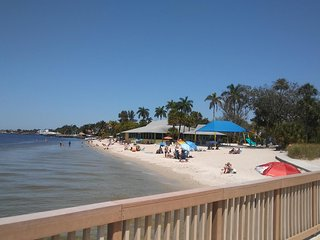 Fun In The Sun...Beautiful 2 Bedroom 2 Bath Condo with Parking Included, Cape Coral