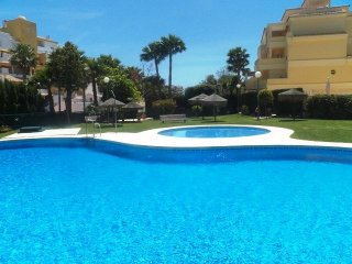 Very spacious modern apartment with lovely sea views, El Arroyo de la Miel