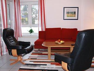 3-Zi-Ferienwohnung, 2 Schlafzimmer, ruhige u. zentrale Lage, Balkon