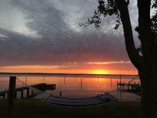 Lands End Lodge on the Rappahannock River - Where the Road Ends & Fun Begins!, Tappahannock