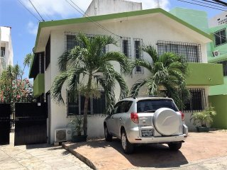 4BR PRIVATE HOUSE IN CANCUN SLEEPS 12, Cancún