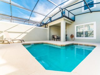 Gorgeous New Townhome, Private Pool, Near Disney, Amazing Amenities, BRL4805
