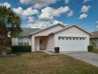Indian Ridge - 4BD/2BA Pool Home - Sleeps 10