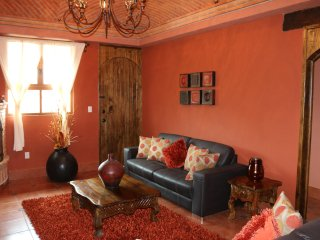 Enjoy our Amazing Casa Naranja at Casas de Guanajuato near Downtown Guanajuato