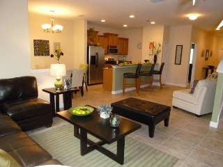 Paradise Palms - 3BD/3BA Town Home - Sleeps 8 - Platinum