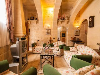 Ta Gerita Farmhouse Xewkija Gozo 3 Bedrooms & sleeps 9 people