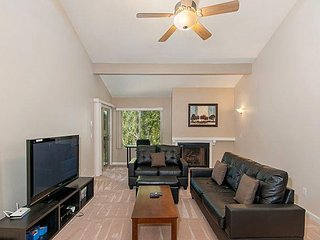 2BR Mission Valley Condo w/ On-site Pools and Balcony Near Qualcomm Stadium