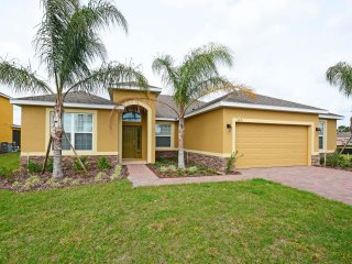 Watersong - 5BD/4BA Pool Home - Sleeps 10 - RWS5051