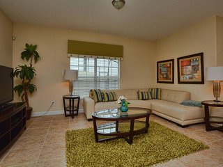 Paradise Palms - 5BD/4BA Town Home - Sleeps 10