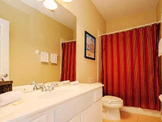 Vista Cay - 3BD/3.5BA Town Home - Sleeps 8 - Gold