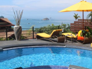 *Touch The Pacific! Designer Villa. Minutes to Beach & Town. 11 Years Experience, Manuel Antonio National Park