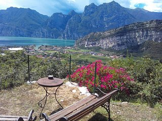 Double room 4 with big garden great view on Gardalake, Torbole