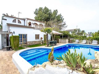 Catalunya Casas: Lovely villa in Castellet for 9, only 10 minutes to Costa