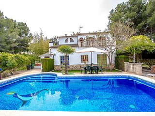 Catalunya Casas: Lovely villa in Castellet for 9, only 10 minutes to Costa Dorad
