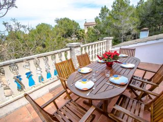 Lovely villa in Castellet for 9 guests, only 8 minutes to the beach