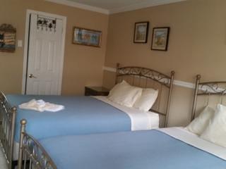 Rusten op onze comfortabele kingsize bed na een leuke dag op het strand en de promenade.