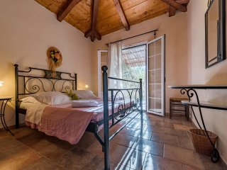 VILLA BOUGAINVILLEA (ILYESSA COTTAGES)