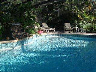 pool home, tropical setting