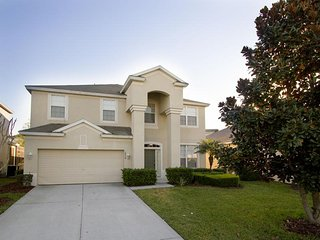 Windsor Hills - Pool Home 6BD/4BA - Sleeps 13 - Platinum - RWH625