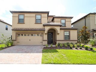 Champions Gate Resort - Pool Home - 8BD/5BA - Sleeps 16 - Platinum