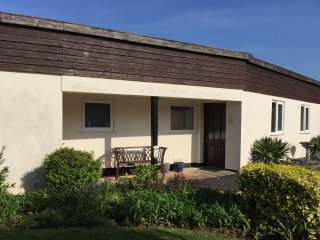 Beech Bungalow, Blue Anchor - Accessible bungalow with stunning sea views