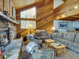 Enjoy a shared hot tub, sauna & pool when staying in this spacious condo!