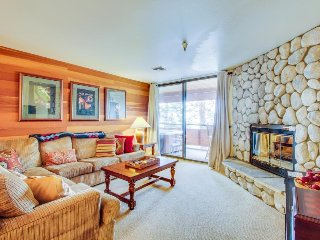 Comfortable ski-in/ski-out condo with a private hot tub on deck!