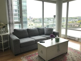 Water View/Front Yaletown Apartment