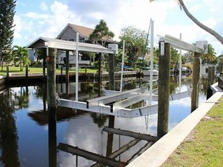 Canal Front Bokeelia Fishing Bungalow with New Boat Lift