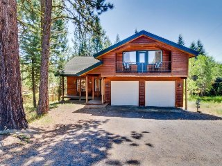 Large home w/ private sauna, deck, gas grill & enough room for everyone!