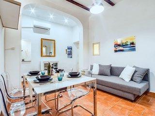 Charming little flat in the heart of Trastevere