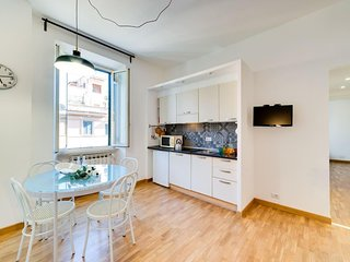 Lovely renovated 2bed flat in central location