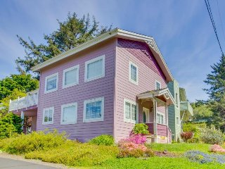 Family-friendly coastal home w/ balcony & close proximity to the beach!
