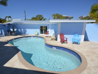 New 2017  Adult only   1 Bedroom  King Villa 2Siesta Key